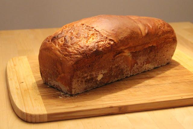 frisch gebackes Toasbrot / Weißbrot