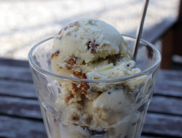 Maple-Walnut-Icecream im Glas