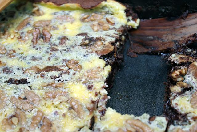 Anschnitt der Frischkäse-Brownies