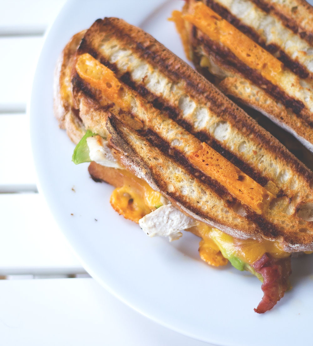 Rezept für knuspriges Club Sandwich als Röstbrot aus dem Kontaktgrill von moeyskitchen.com
