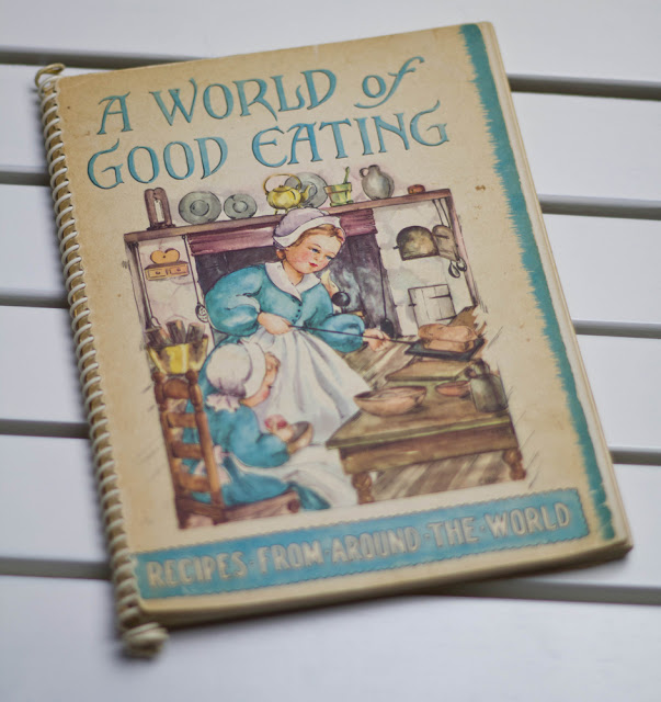 "das Buch ""A World of Good Eating"" von 1951"