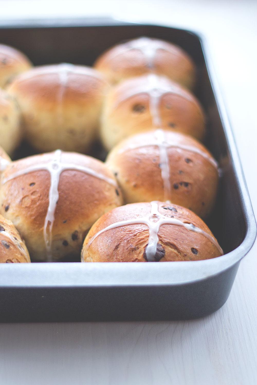 Rezept für Hot Cross Buns zum Karfreitag oder auch einfache Schokobrötchen für jeden Anlass!