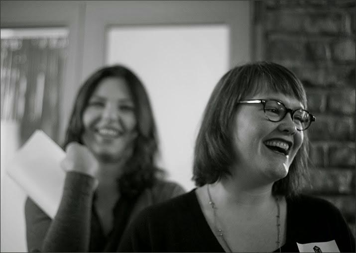 """Yvonne Niewerth und Charlotte Schreiber stellen bei Blogs & Books von Callwey in Köln ihr Buch """"Aus Liebe zum Kochen vor"""""""