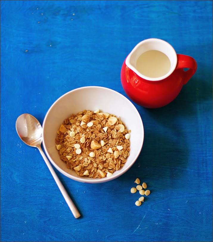 Macadamia-weiße Schokolade-Granola, Knuspermüsli zum Wochenendfrühstück