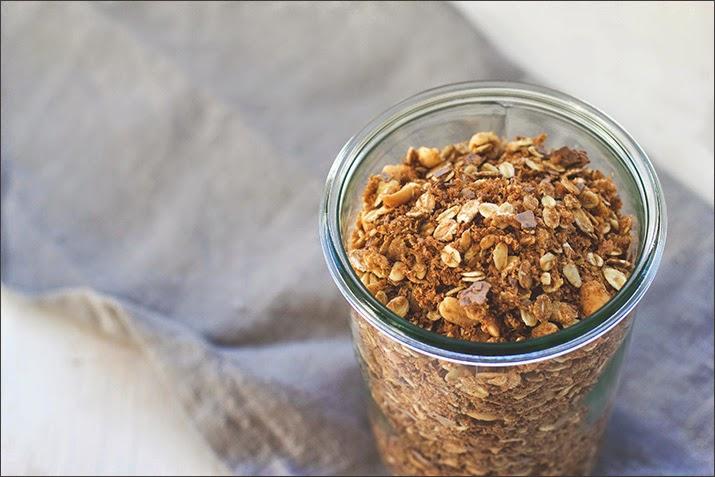Erdnuss-Crunch-Granola im Weckglas