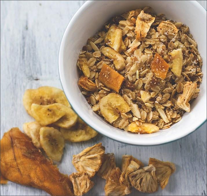 Tropicana-Granola | Exotisches Knuspermüsli in der Schüssel