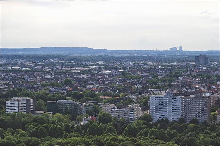 Chablis-Empfang auf der Terrasse des Osman 30 im KölnTurm im MediaPark
