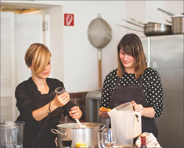 Die Gastgeberinnen: links: Sophia von Cucina Piccina, rechts: Simone von Pi mal Butter