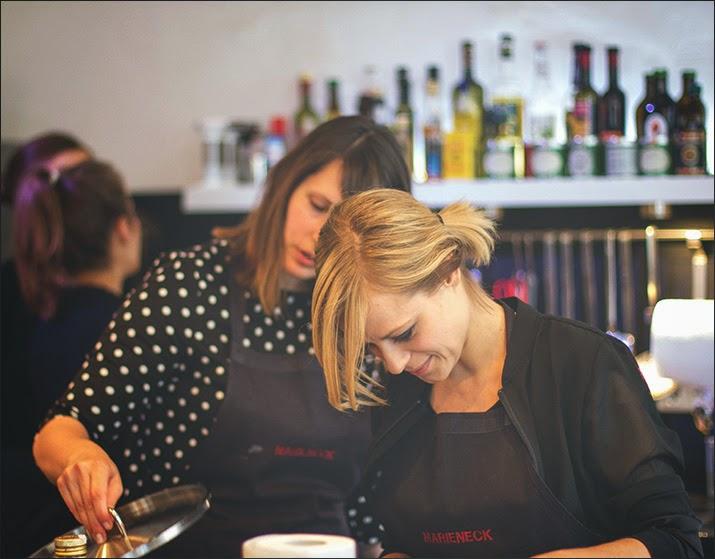 Die Gastgeberinnen: links: Simone von Pi mal Butter, rechts: Sophia von Cucina Piccina