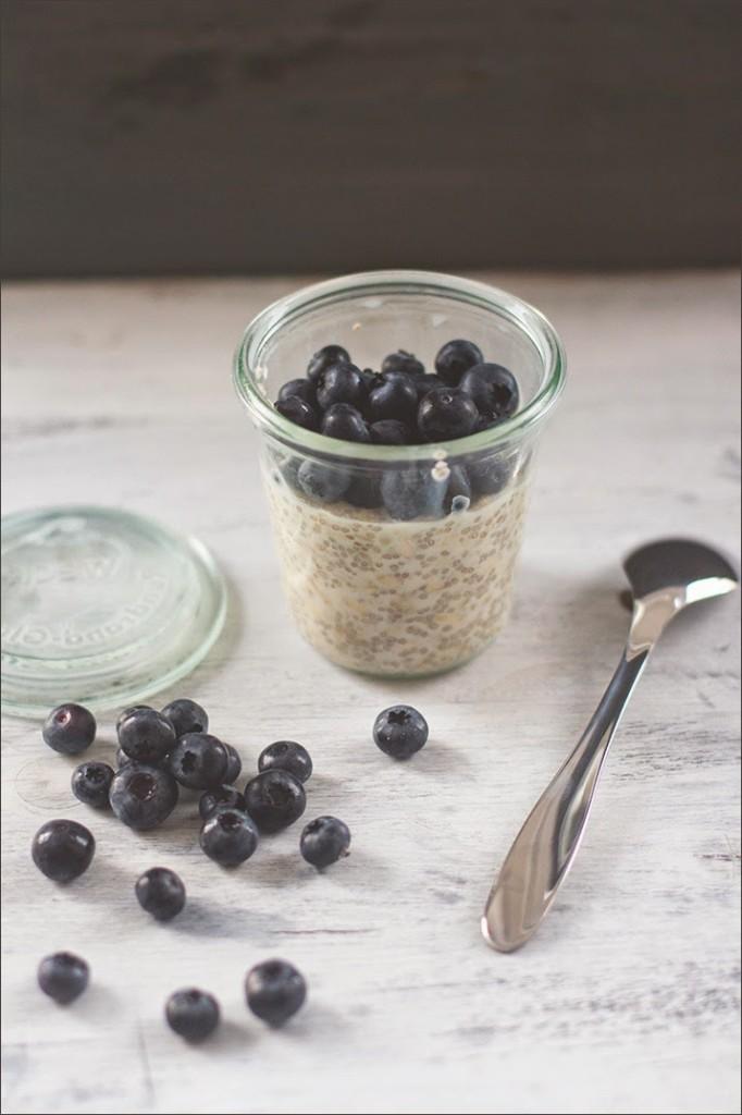 m sli der woche nummer 18 heute overnight oats mit mandeln chia samen ahornsirup und. Black Bedroom Furniture Sets. Home Design Ideas