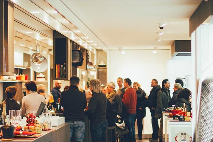 Der Zwilling Flagship Store ist am verkaufsoffenen Sonntag gut besucht