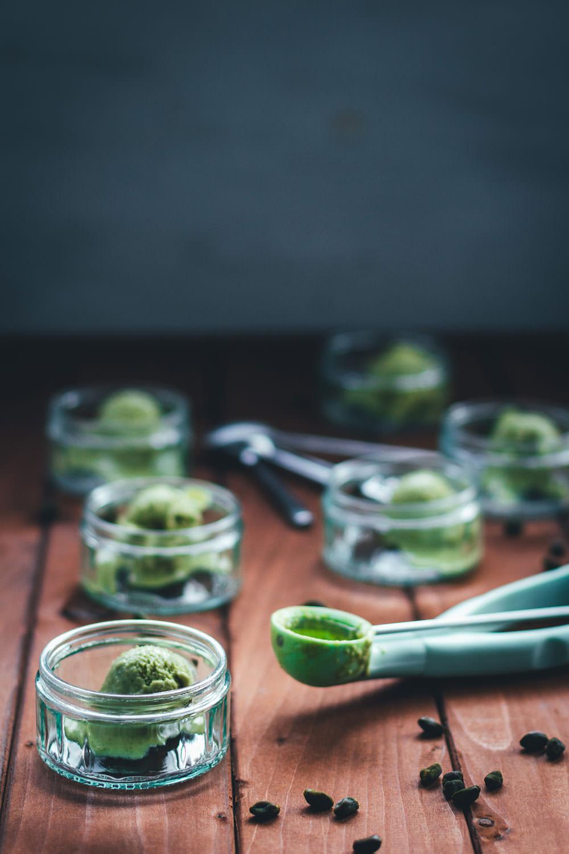 Rezept für selbst gemachtes Pistazieneis | mit Thermomix und Eismaschine | moeyskitchen.com #pistazieneis #eis #thermomix #eismaschine #eisrezept #rezepte #foodblogger