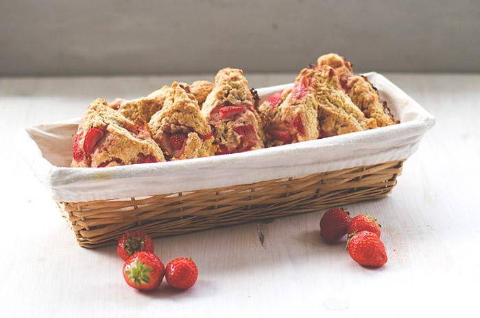 Eine Ode An Die Erdbeere Sonntagsfrühstück Deluxe Mit Erdbeer Sahne