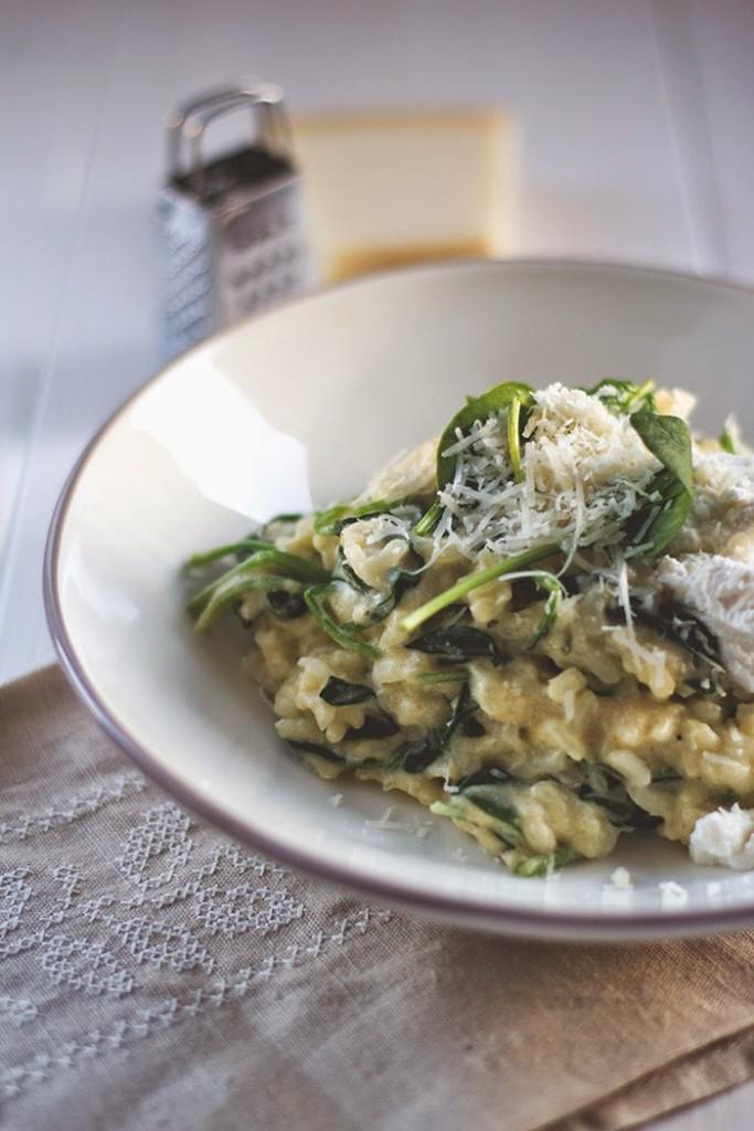 Rezept für die schnelle Feierabendküche: Ofenrisotto mit frischem Spinat und Ricotta