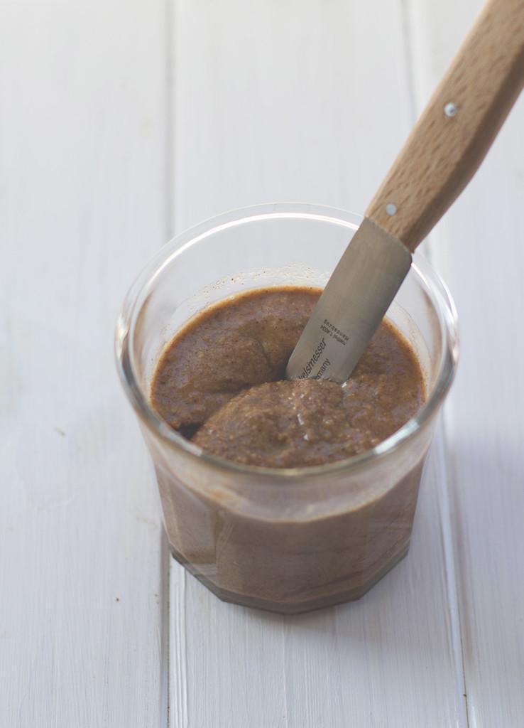 Sonntagsfrühstück deluxe: Gebrannte Pekannusscreme auf's Brot, auf Waffeln, auf Pfannkuchen, auf Eis...