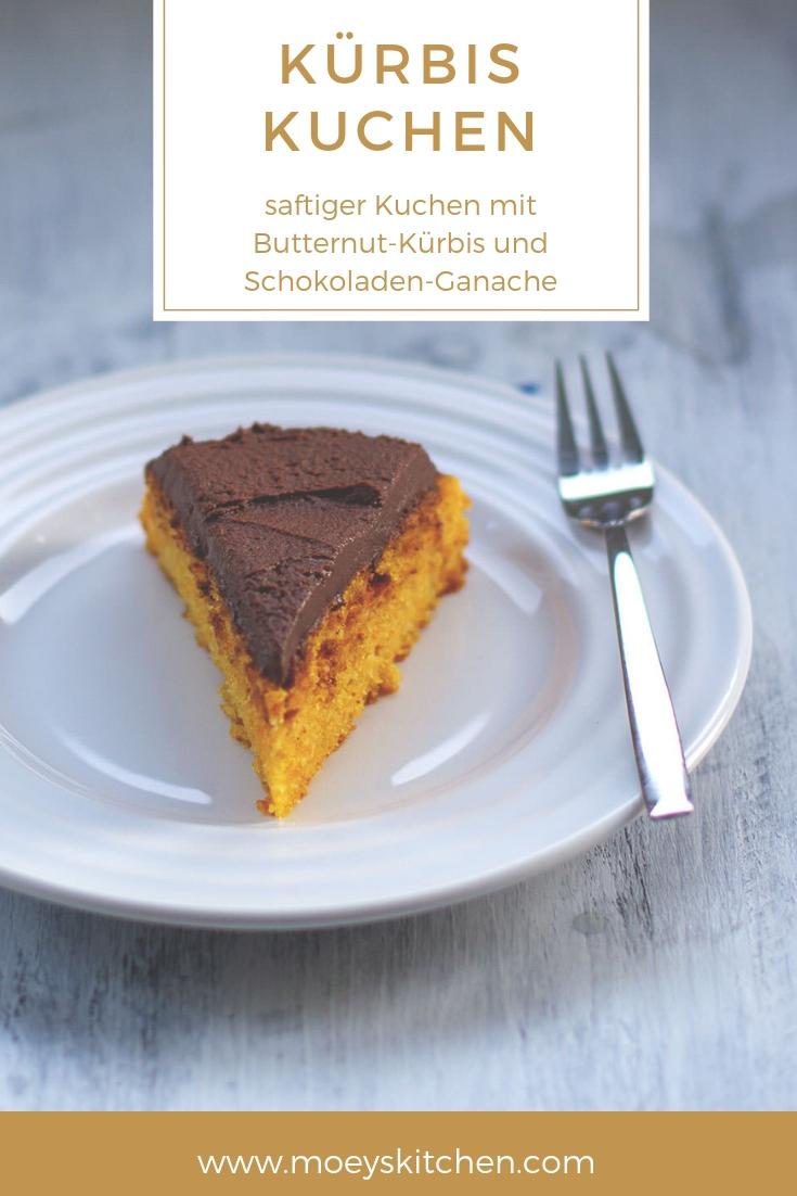 Saftiger Kürbiskuchen mit cremiger Schokoladen-Ganache | Butternut-Kuchen mit rohem Kürbis | moeyskitchen.com #kürbiskuchen #kürbis #butternut #kuchen #rezept #herbst