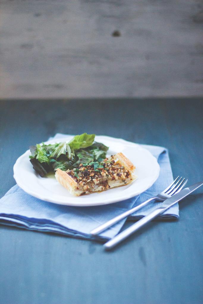 Rezept für leckeres Winter-Soulfood: Vegetarische Schwarzwurzel-Tarte mit Haselnüssen