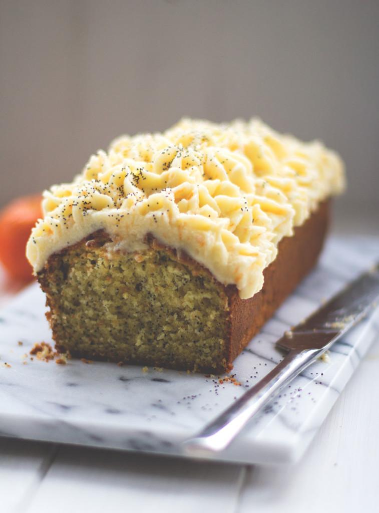Saftiger Clementinen-Mohn-Kuchen mit Crème fraîche-Frosting zum fünften Bloggeburtstag von moey's kitchen