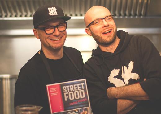 Torsten und Antonio von der Strassenküche im Laden Ein in Köln