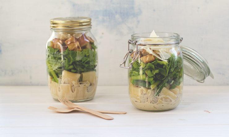 Caesar Pasta Spargel Salat im Glas - Rezept mit und ohne Thermomix