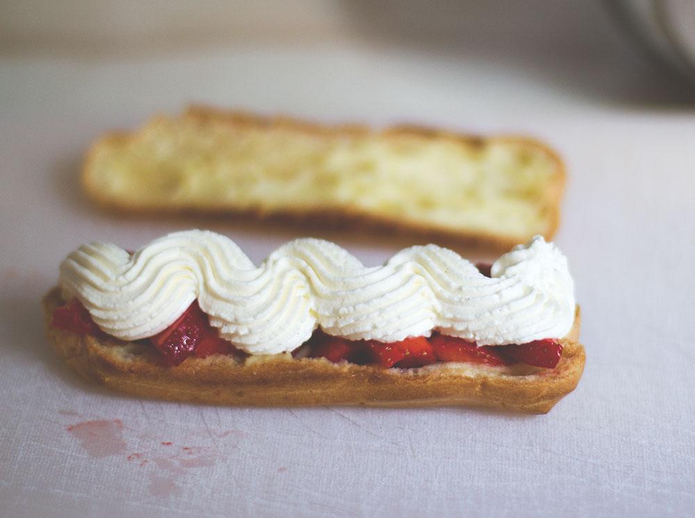 Rezept für Brandteig aus dem Thermomix und Eclairs mit Erdbeeren und Mascarpone-Sahne