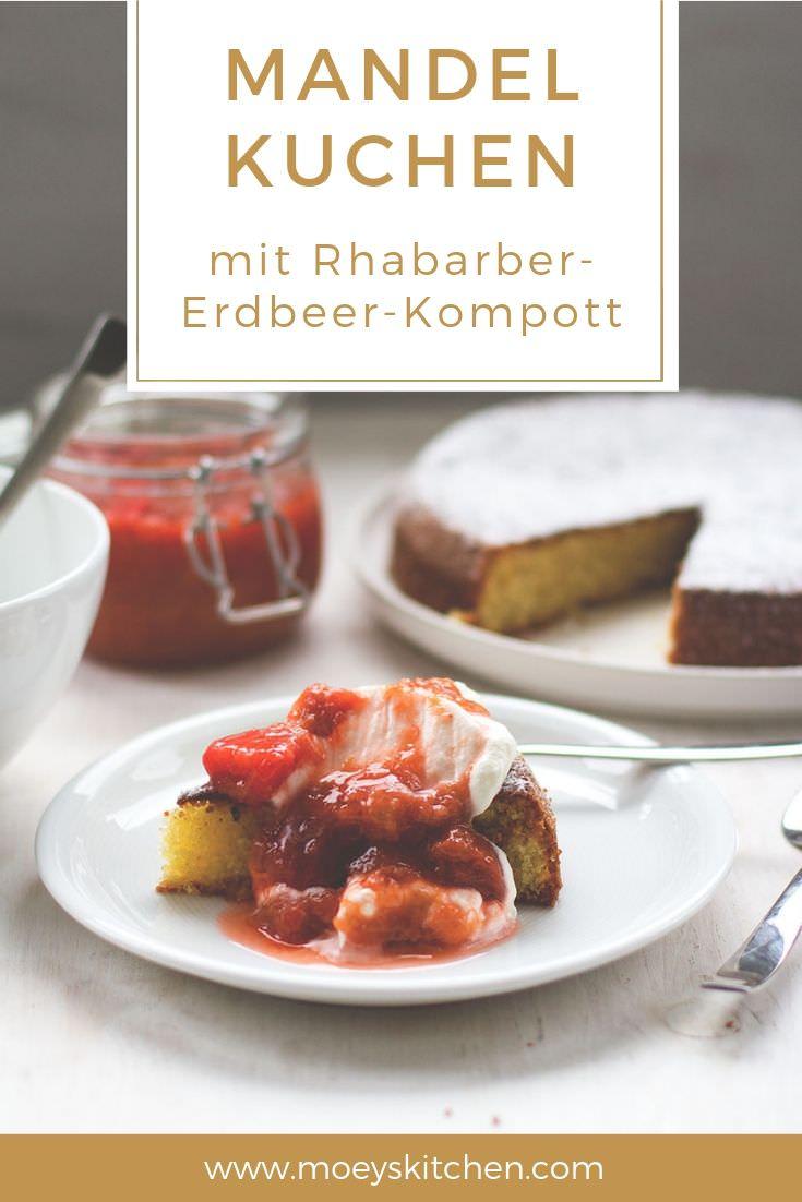 Rezept für Mandelkuchen mit Rhabarber-Erdbeer-Kompott | moeyskitchen.com #mandelkuchen #erdbeeren #rhabarber #kuchenbacken #backen #rezepte #foodblogger