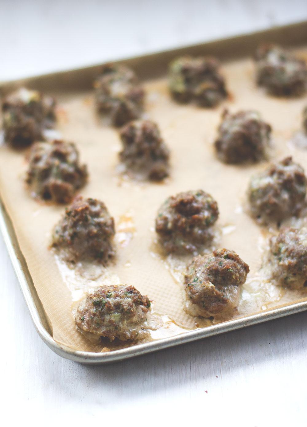 Hackfleischbällchen / Meatballs aus dem Ofen - Rezept von moeyskitchen.com