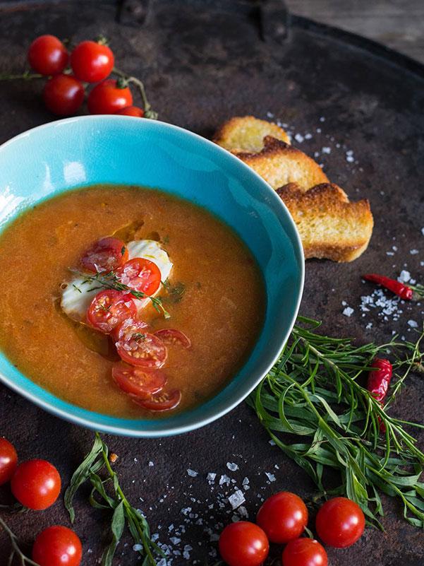 Gekühlte Tomatensuppe aus ofengerösteten Tomaten von S-Küche