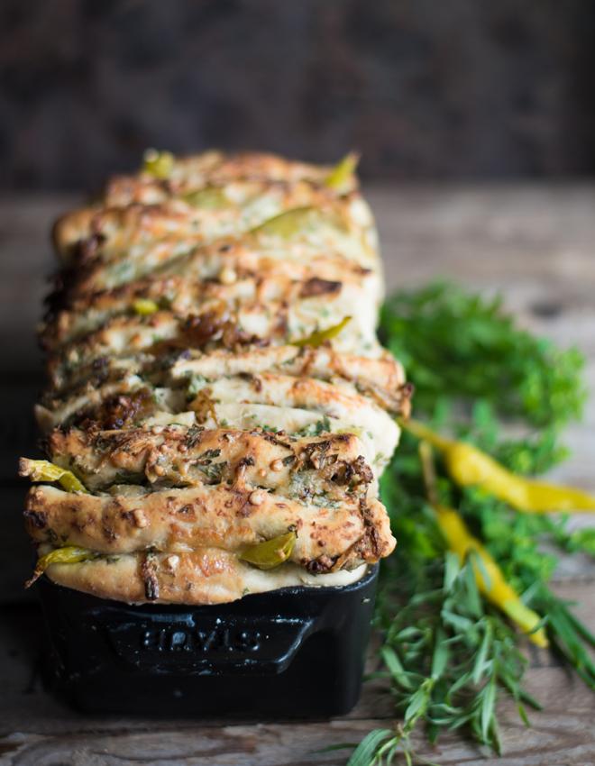 Zupfbrot mit Frischkäse und Kräuterbutter - Philly Cheese Pull Apart Bread von Simone von S-Küche