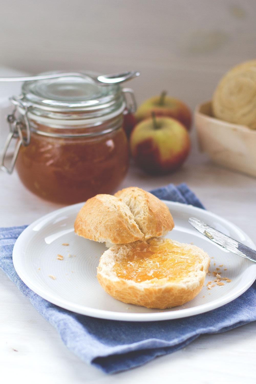 Rezept für Apfel-Karamell-Konfitüre ohne Gelierzucker von moeyskitchen.com