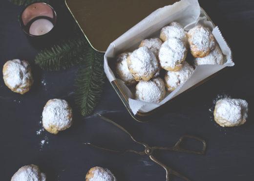 Rezept für blitzschnelles Nougat-Stollenkonfekt mit gehackten Mandeln zu Weihnachten