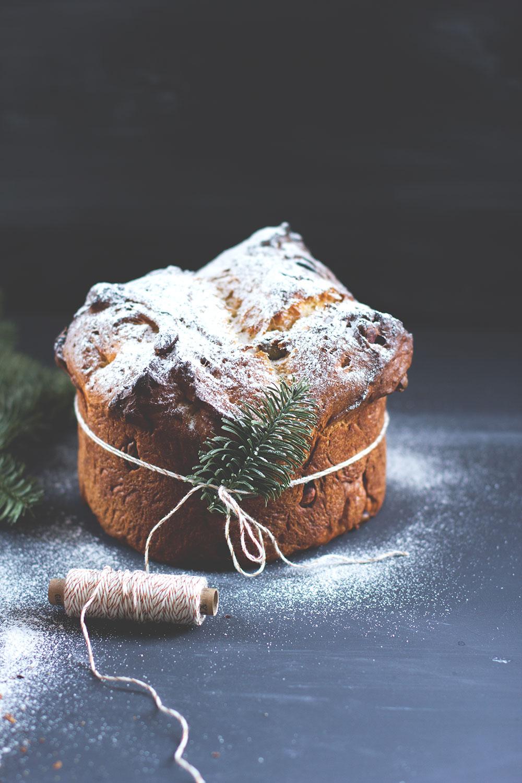 Rezept für leckeren Schokoladen-Pistazien-Panettone - Panettone ohne Trockenfrüchte von moeyskitchen.com