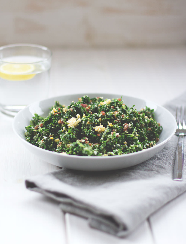Rezept für Protein Power Salat mit Grünkohl, Schinken und Ei von moeyskitchen.com