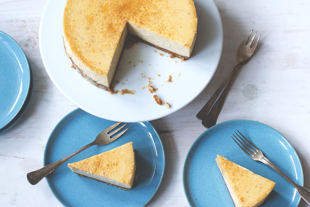 Rezept für Cheesecake aus dem Varoma: Ahornsirup-Walnuss-Cheesecake zum Thermomix-Donnerstag von moeyskitchen.com