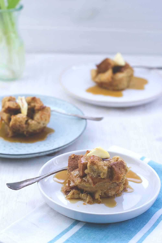 Rezept für leckere French Toast Muffins zum Sonntagsfrühstück von moeyskitchen.com