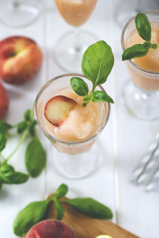 Super Sommerdrink: Rezept für erfrischenden Frozen Bellini oder auch Bellini Frozecco aus dem Thermomix