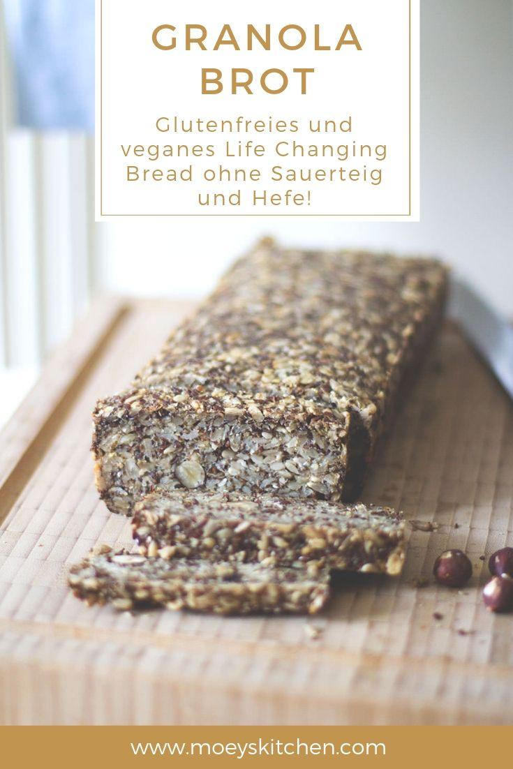 Rezept für Granola Brot, auch als Life Changing Bread bekannt - leckeres Müslibrot, schnell und einfach zubereitet | vegan, glutenfrei, ohne Hefe, ohne Sauerteig, ohne Backpulver | moeyskitchen.com #brot #brotbacken #granola #müsli #lifechangingbread #vegan #glutenfrei #hefefrei #healthy #gesundbacken #rezepte #foodblogger