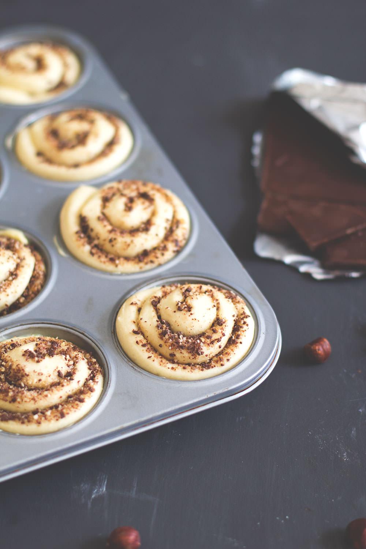 Rezept für Schoko-Hefeschnecken mit gerösteten Haselnüssen | moeyskitchen.com