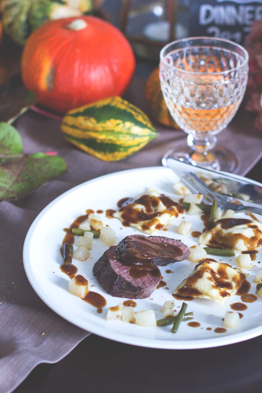 herbst dinner dessert ricotta mascarpone mousse mit gebackenen ahornsirup walnuss feigen und. Black Bedroom Furniture Sets. Home Design Ideas