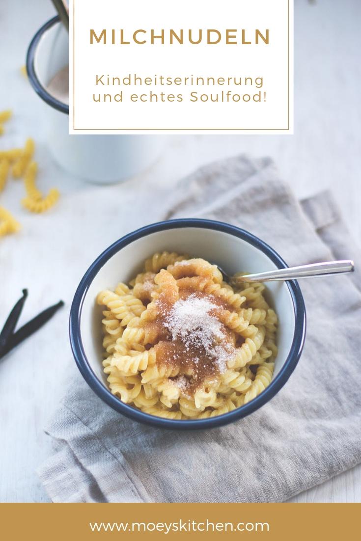 Milchnudeln - Kindheritserinnerung, Wohlfülessen im Herbst und echtes Soulfood! | moeyskitchen.com #milchnudeln #soulfood #rezept #foodblogger