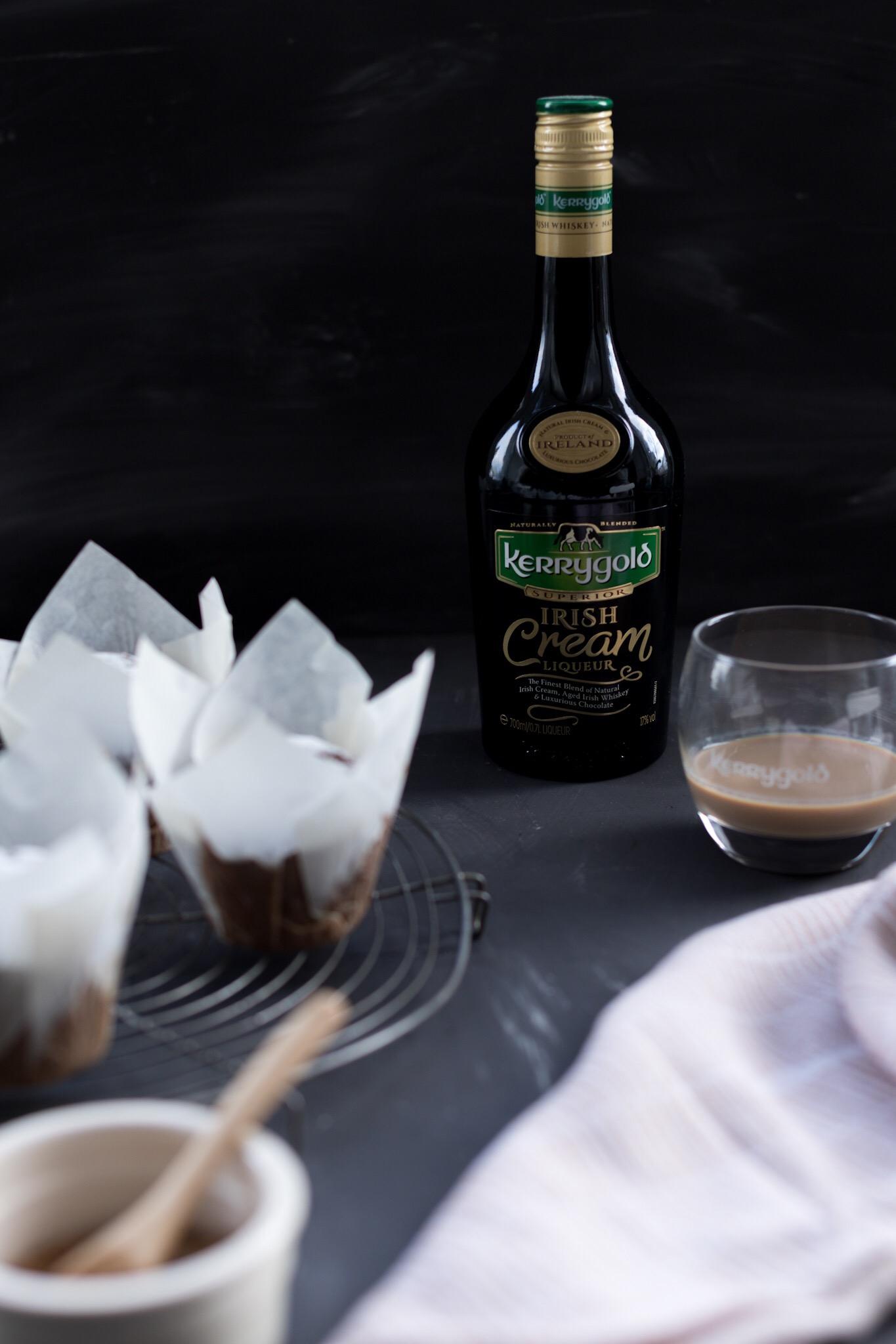 Rezept für adventliche Lebkuchen-Muffins mit Kerrygold Irish Cream | moeyskitchen.com