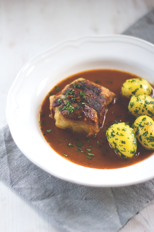 Meine 10 liebsten Rezepte im Blog - Klassische Kohlrouladen mit Fleischfüllung und Petersilienkartoffeln von moeyskitchen.com