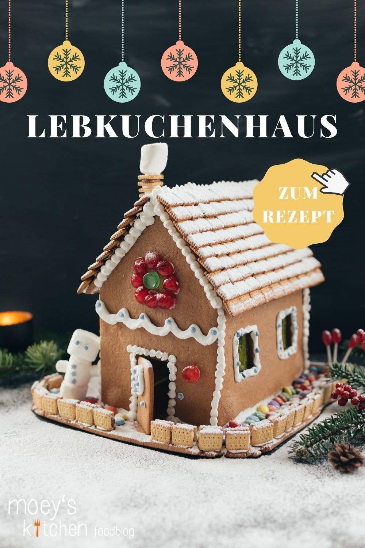 Rezept für selbst gemachtes Lebkuchenhaus | Lebkuchen einfach selber backen und verzieren | moeyskitchen.com #lebkuchen #lebkuchenhaus #backen #backrezept #weihnachtsbäckerei #advent #weihnachten