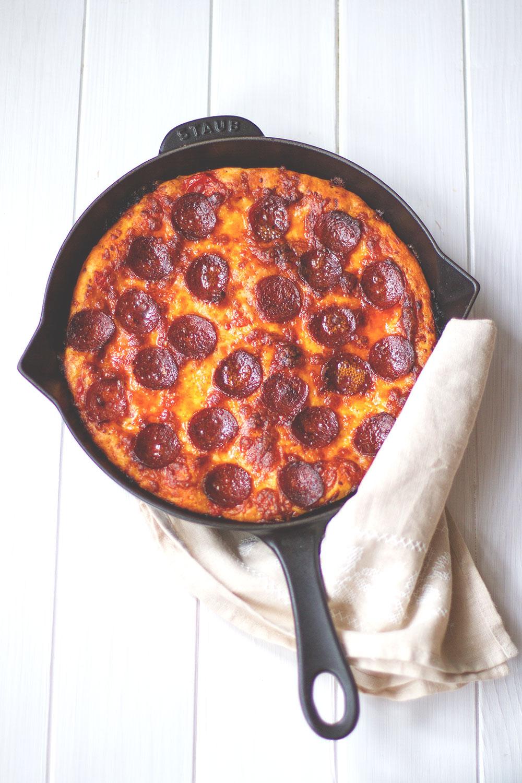 Pan Pizza - Pizza aus der gusseisernen Pfanne