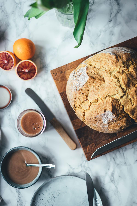 Rezepte für Soda Bread und Blood Orange Curd | British Breakfast | The Sunday Breakfast Club | moeyskitchen.com #sodabread #brot #curd #bloodorangecurd #blutorangencurd #frühstück #sonntagsfrühstück #breakfast