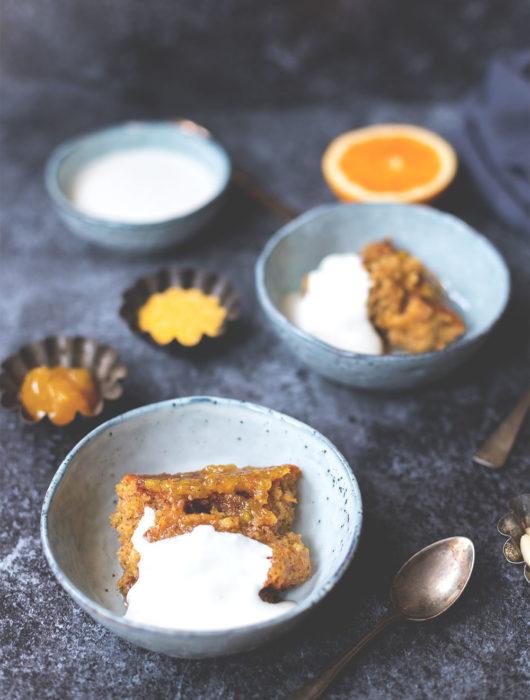 Rezept für süßen Orangen-Polenta-Auflauf mit Crème fraîche | moeyskitchen.com