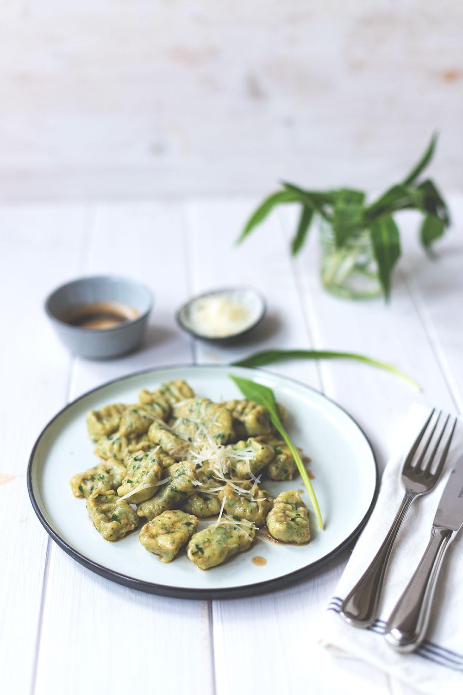 Rezept für vegetarische Bärlauch-Ricotta-Gnocchi | Saisonal schmeckt's besser | moeyskitchen.com