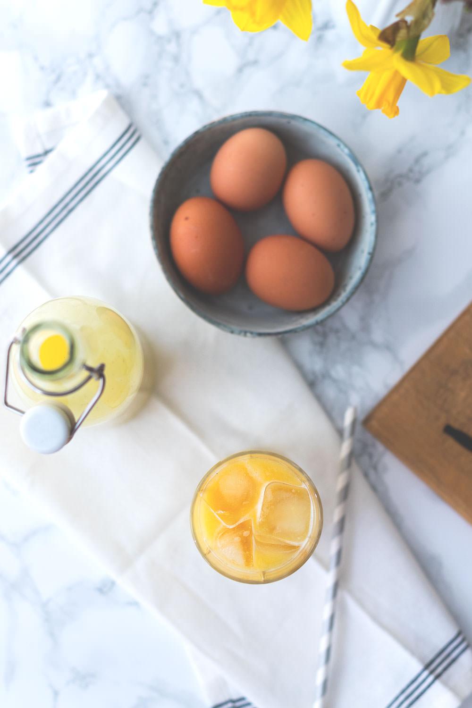 Rezept für selbst gemachten Eierlikör (mit und ohne Thermomix) | Foodblogger-Osterbrunch | moeyskitchen.com