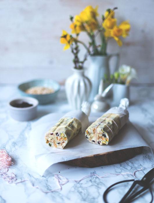 Rezept für weiße Schokoladensalami | Geschenke aus der Küche | Foodblogger-Osterbrunch | moeyskitchen.com