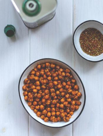 Rezept für geröstete Kichererbsen aus dem Airfryer | schnelle Snackidee | moeyskitchen.com